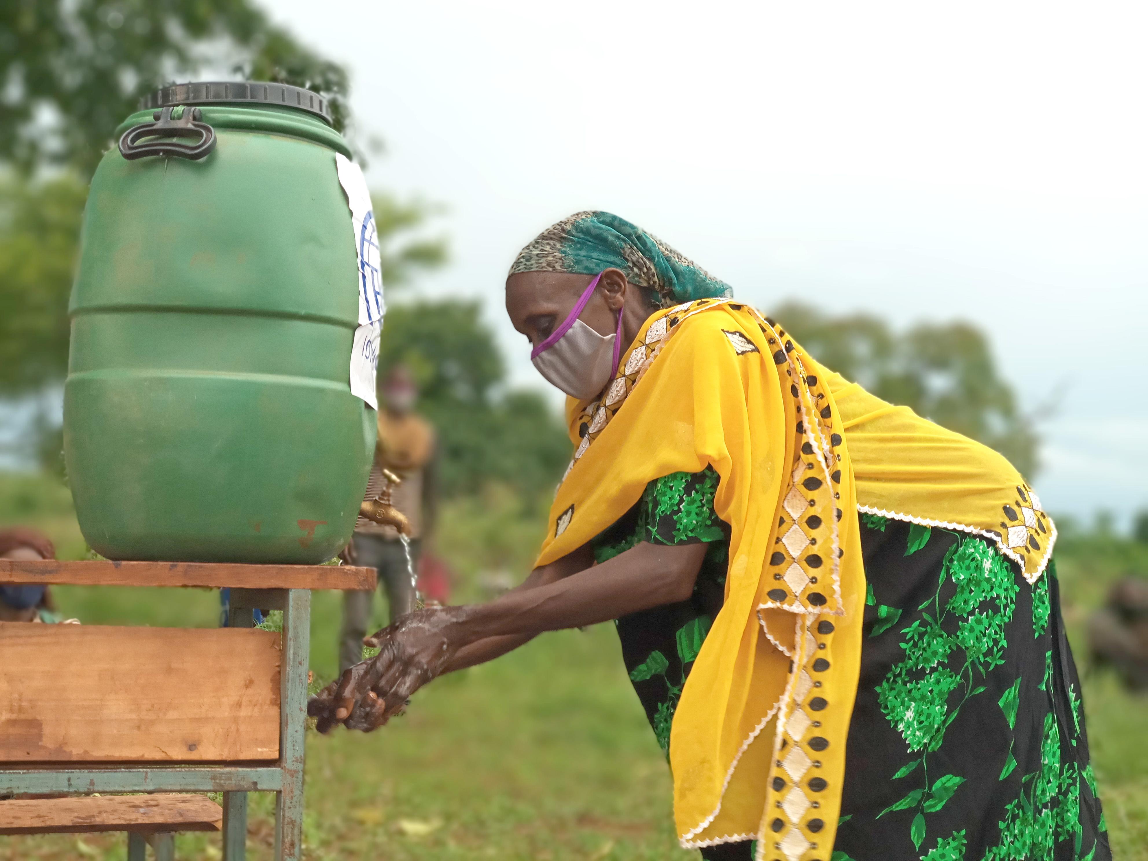 Bulutna washes her hands